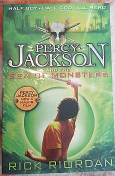 Книга Percy Jackson and the Sea of Monsters
