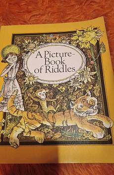 Книга A picture book of riddles