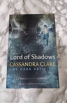 Книга Lord of Shadows: The dark artifices